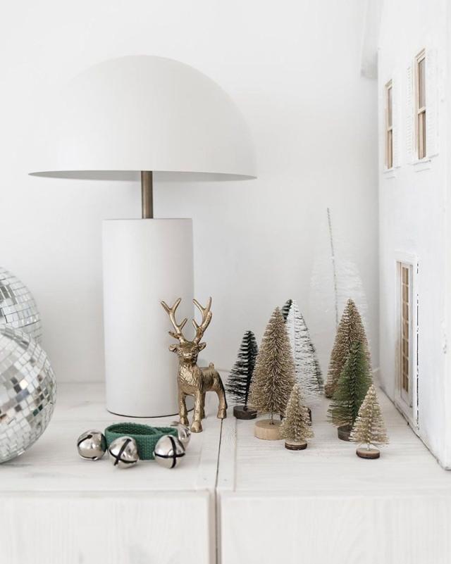 Tour di Natale nella casa arredata con mobili Ikea e vintage