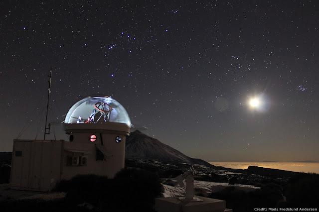 SONG và Thợ săn. Tác giả : Mads Fredslund Andersen, Stellar Astrophysics Centre, Aarhus Univ., Denmark.