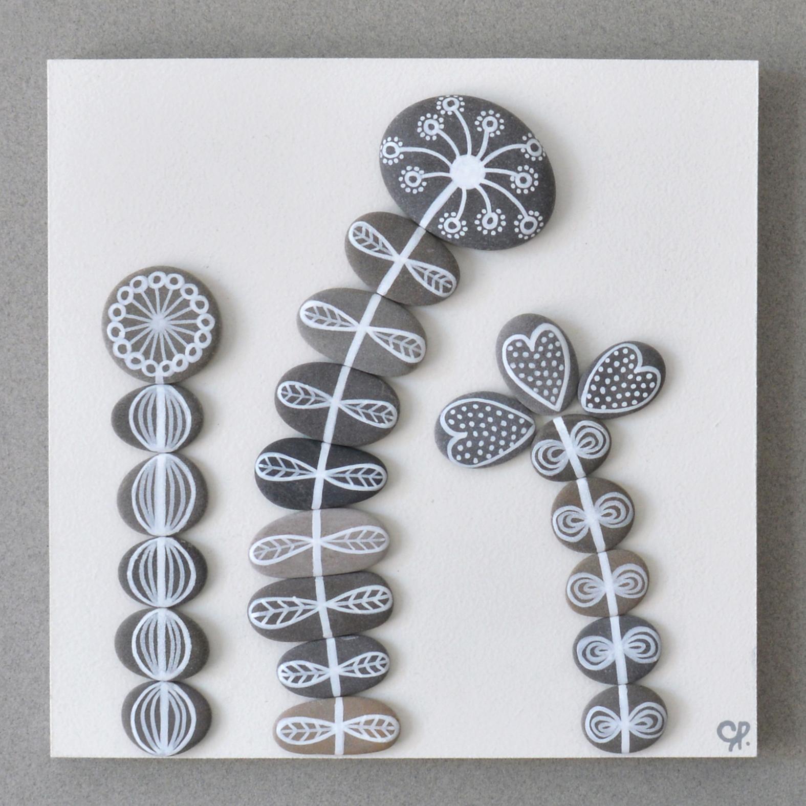 Faire Un Tableau Avec Des Galets cocolico-creations: tableau 3 fleurs en galets