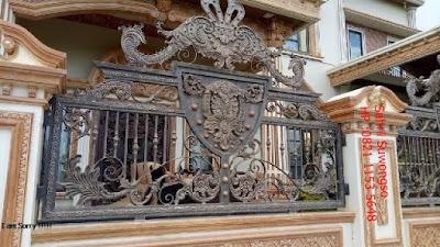 pagar besi tempa klasik untuk rumah mewah