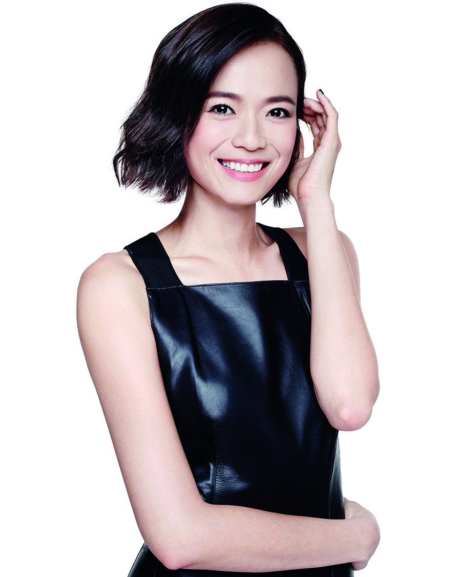 Felicia Chin senyum indah bibir manis dan seksi kulit putih mulus
