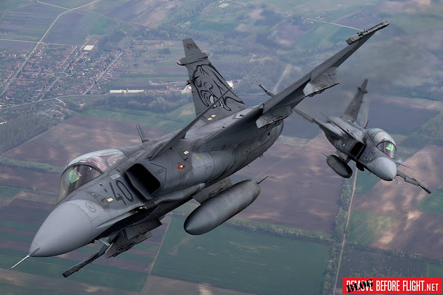 Hungarian Gripen move Papa airport