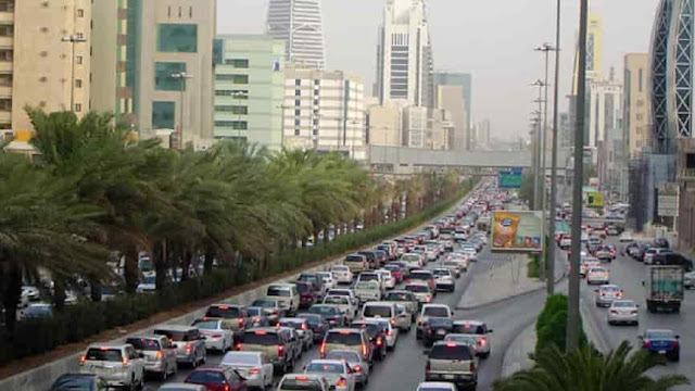 Saudi Arabia arrests man on Charges of Human Trafficking and raises Money by Begging - Saudi-Expatriates.com-min