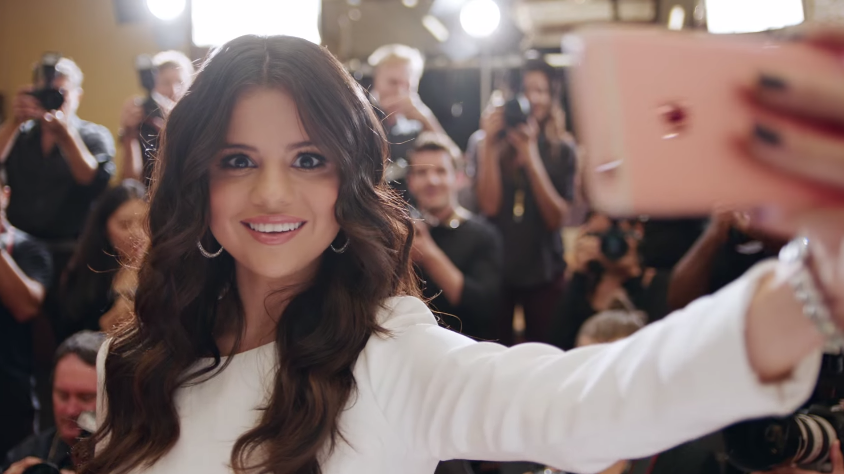 Selena Gomez and Bill Hader In Apple's Newest Ad for the iPhone 6s