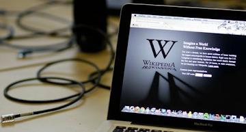 Wikipédia da desinformação: controlada por interesses corporativos diz co-fundador - Revela jornalista investigativa