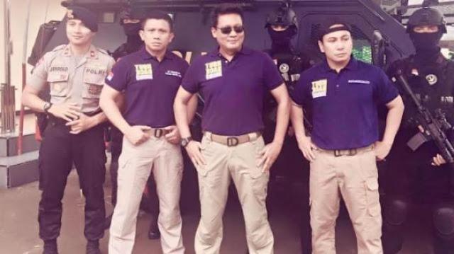 Kapolri Resmi Larang Warga Sipil Kenakan Atribut dan Kaus 'Turn Back Crime'