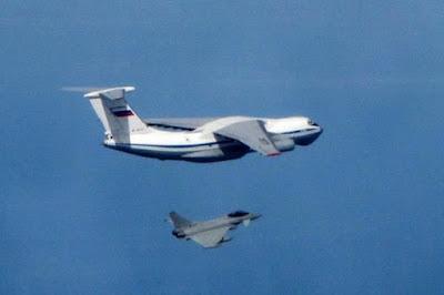 Jet tempur Typhoon Milik Inggris Cegat Pesawat Militer Rusia