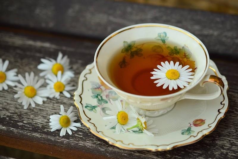 Isırgan çayı,ada çayı,elma çayı,enginar çayı her derde deva çaylar