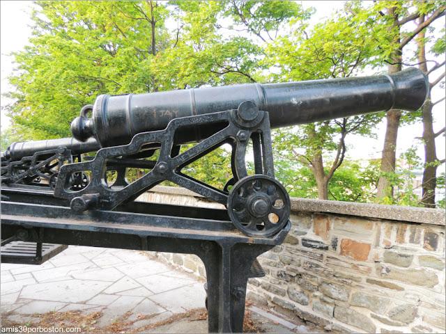 Cañones en el Parc Montmorency en la Ciudad de Quebec