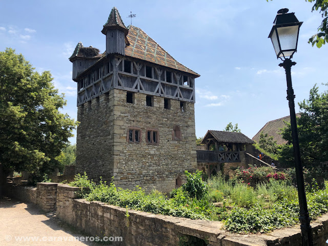 Patio del castillo. Ecomuseo de Alsacia | Alsacia y selva negra en autocaravana con niños