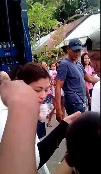 This Footage Clearly Shows How Much Angel Locsin Respects The Elders