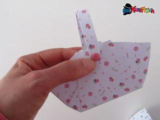 manico del cestino pasquale di carta