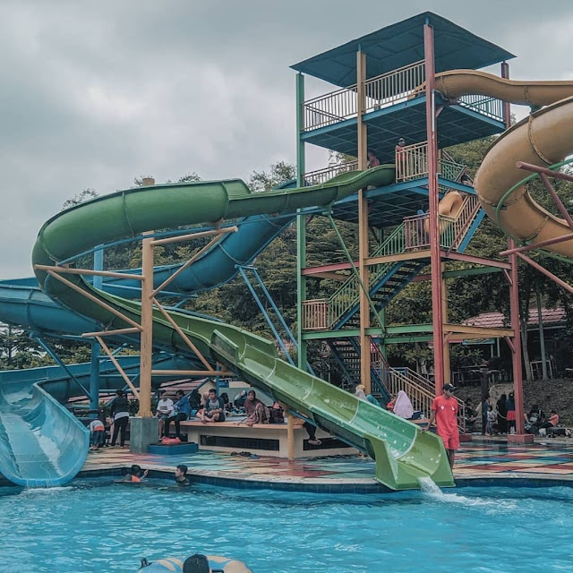 Wahana di Green Valley Waterpark Purwakarta
