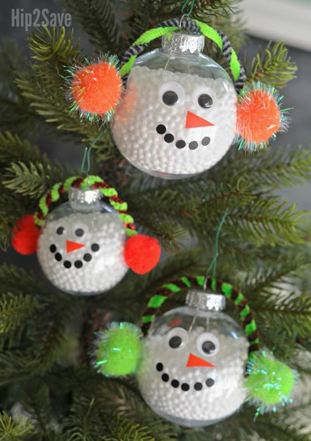 Learn how to make a charming DIY Christmas tree & adorable snowman ornament !