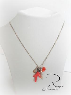 colgante,coral,perlas,marinero