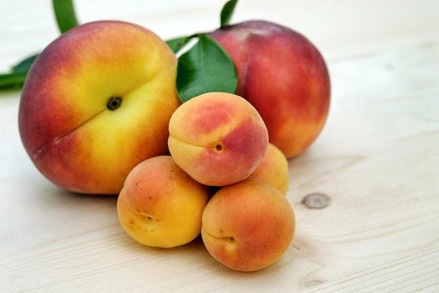 Apricots in hindi
