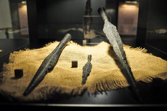 groty włóczni wczesnośredniowiecznych z Ostrowa Lednickiego