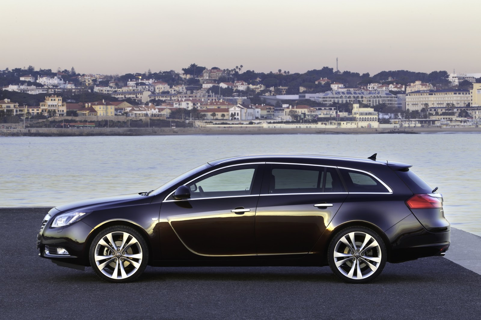 2012 new opel insignia sports tourer biturbo cdti