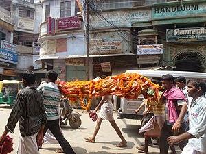 ritos funerarios hindúes 05