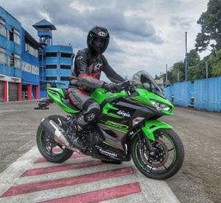 balap motor Kawasaki Ninja 250 cc 2018