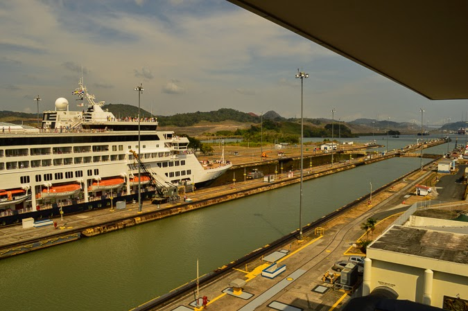 Travel Route in Central America - See the Panama Canal // The-Lifestyle-Project.com