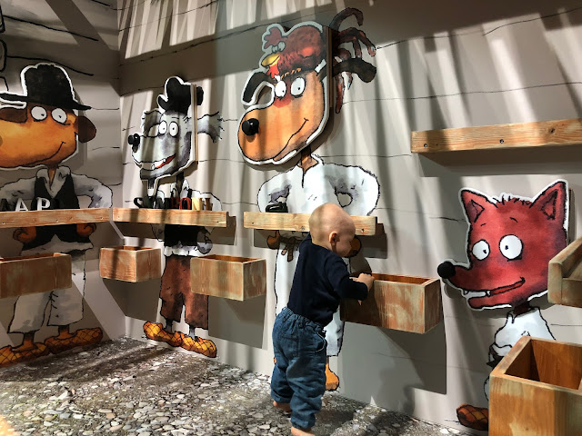 Seitsemän koiraveljestä -näyttely Päivälehden museossa