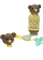 Rammelaar en speenkoord beer