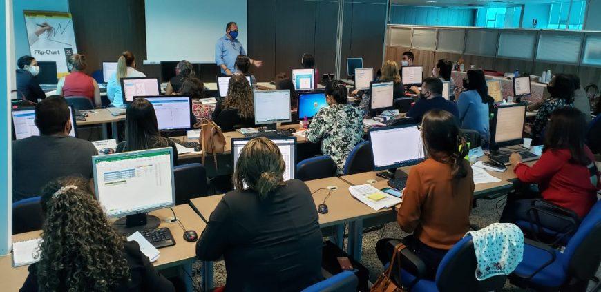 Representantes das Coordenadorias Regionais de Educação participam de capacitação sobre processos de recursos humanos