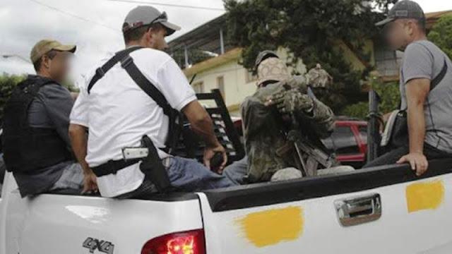 """Impuesto de guerra en Michoácan """"Los Viagras"""" anuncian multas de 1,000 pesos a quienes tengan sus autos descuidados en Buenavista"""