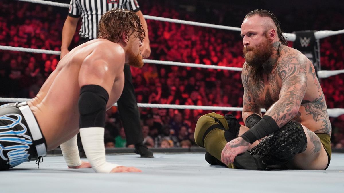 """Murphy convida Aleister Black para """"roubarem o show"""" na WrestleMania 37"""