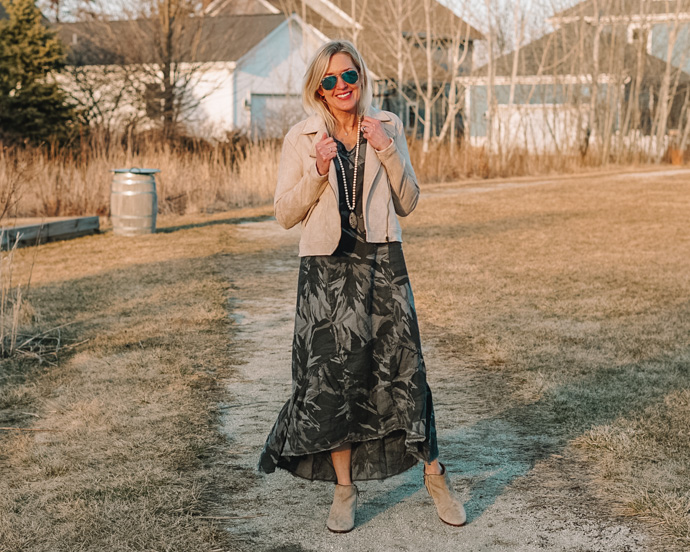 how to style a camo dress