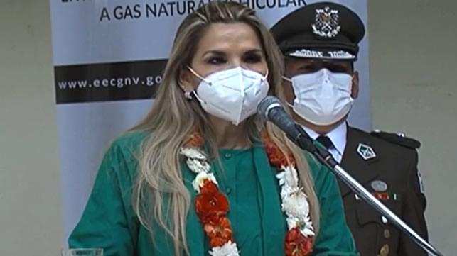 Presidenta Áñez cuestiona a Carlos Mesa por esconderse ante los conflictos