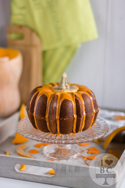 http://www.ilovebundtcakes.com/pumpkin-bundt-cake/