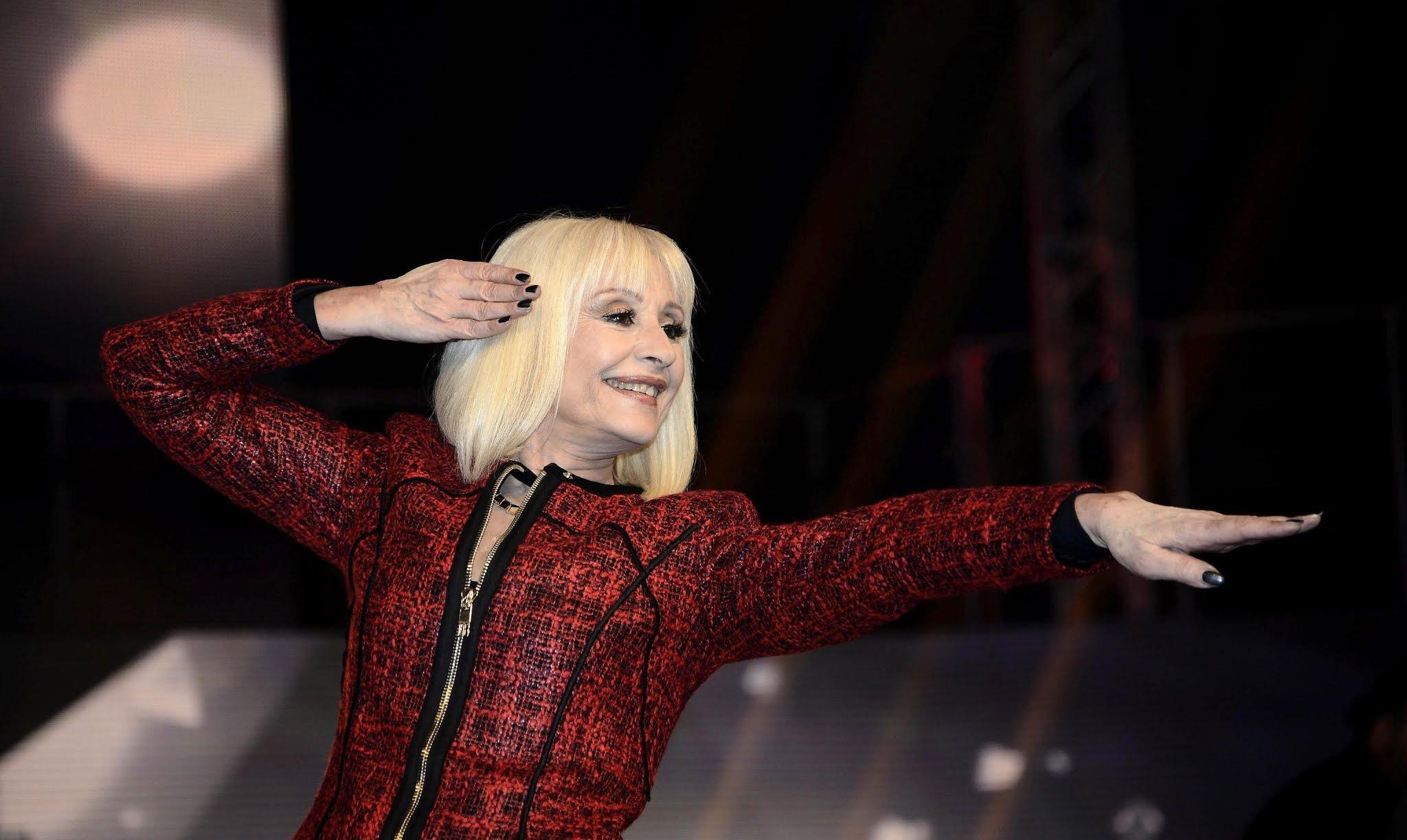 Murió Raffaella Carrá, un ícono de la canción italiana