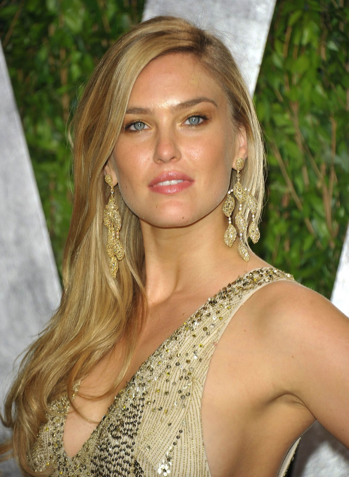 Bar Refaeli Profile And Imagespictures 2012  Hot -8019