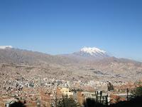 la paz e il monte illimani