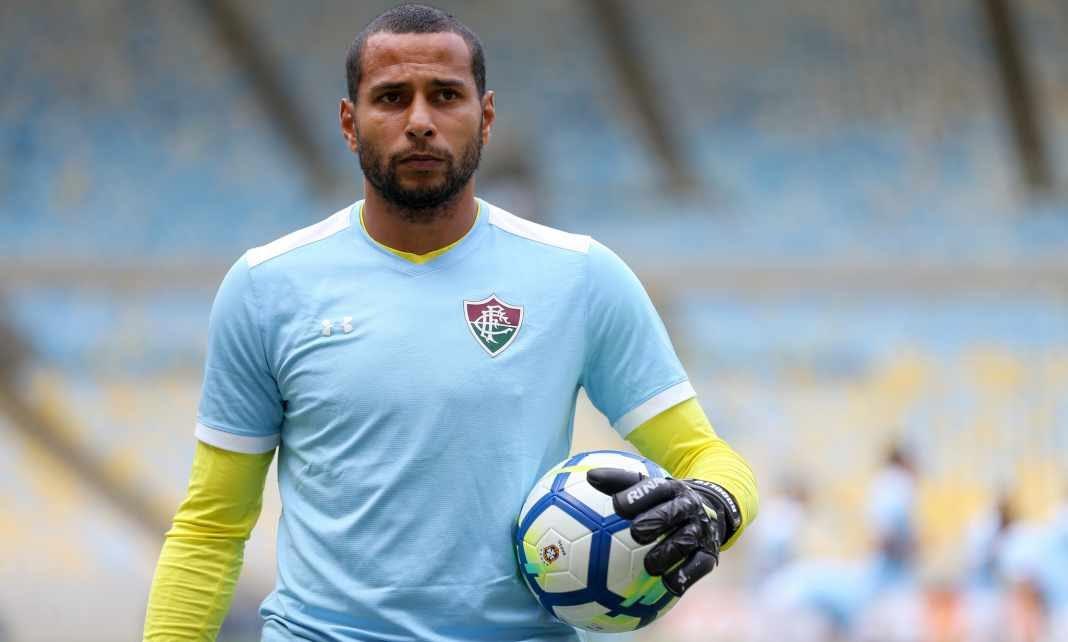 591a0382f9 Afobação deve tirar o posto de titular de Rodolfo no Fluminense
