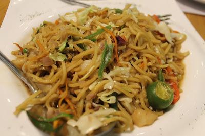 JustMom-Kuya-J-Restaurant-Pancit-Canton