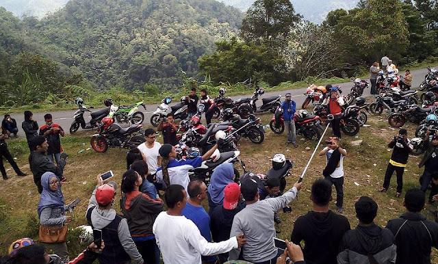 Sahabat Ome dan Komunitas Bikers Gelar Touring Merah Putih ke Toraja