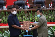 DPRD Dan Pemprov Sulut Tandatangani Nota Kesepakatan KUA-PPAS APBD 2022