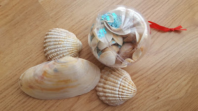 Seashells and glitter Christmas ornaments