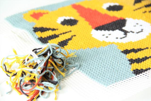 Studio Mojo, Ingela P Arhenius, gratis patroon, tijger kussen, kinderkamer accessoire, borduren, Rico creative cotton
