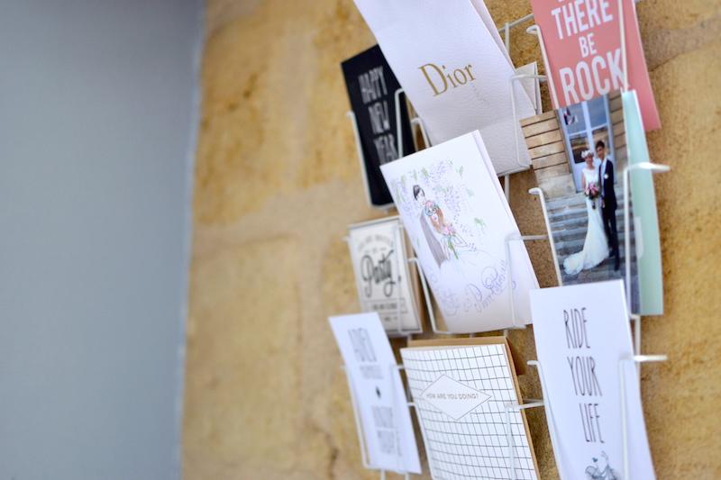 Porte carte postales - Hema