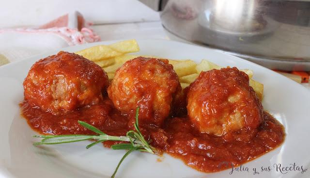 Albóndigas con tomate. Julia y sus recetas