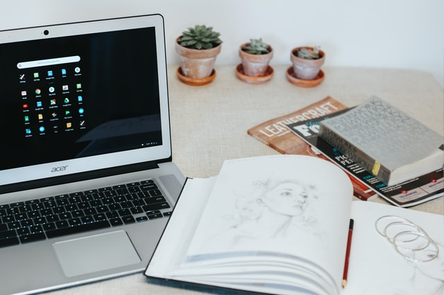 10 Best Laptops For Young Students 2020 [Best Laptop Buyer's Guide]