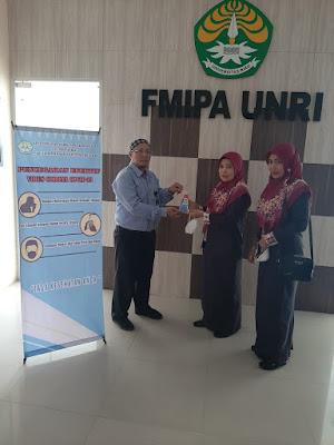 PT. PER Salurkan Donasi Kepada Relawan Covid-19 Universitas Riau untuk Porduksi Handsanitizer Dalam Rangka Pencegahan Virus Corona Di Riau