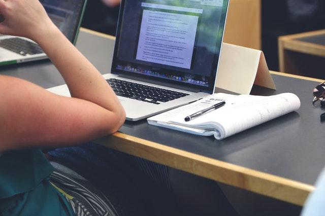 10 Best Laptops For Nursing Students 2021