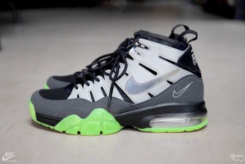 new arrival 523e3 ee510 EA Sports x Nike Air Trainer Max  94 Premium QS Sneaker (Release Date + New  Images)