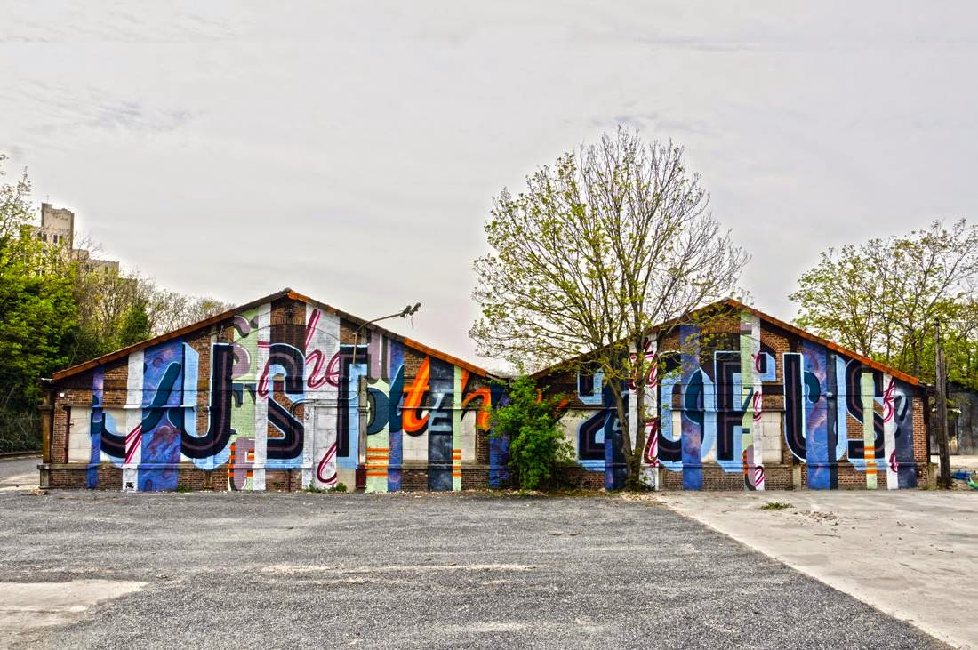 Max Ripo has now landed in France where he spent a few days working on this new piece on the streets of Aubervilliers.