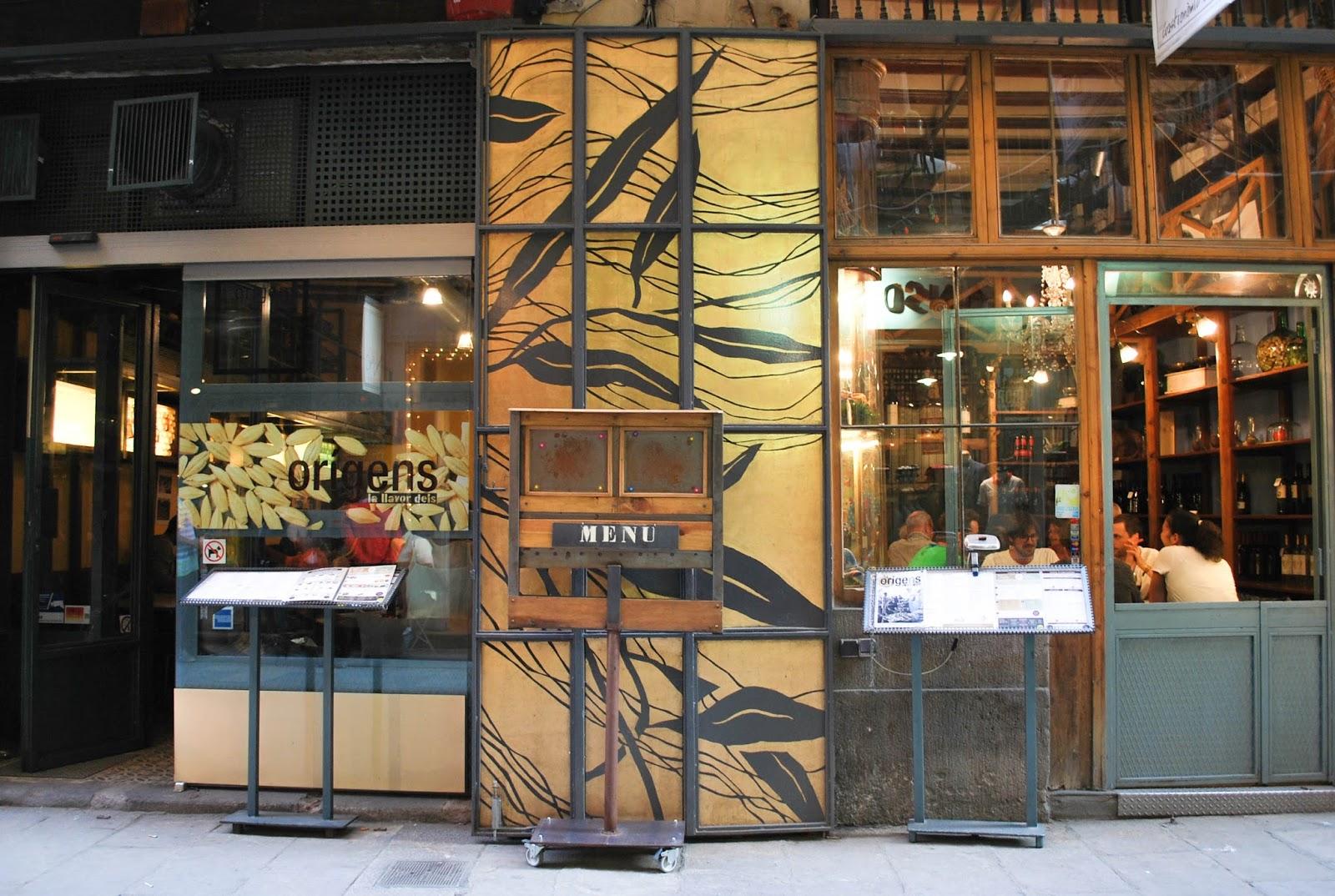 http://www.hommum.com/2014/06/el-born-que-ver-y-donde-comer.html #barcelona #bestplacesofbarcelona